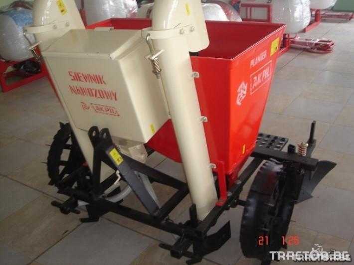 Машини за зеленчуци Картофосадач Akpil Planter 1H с торовнасяне 2